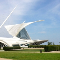The Milwaukee Art Museum: Santiago Calatrava's Masterpiece